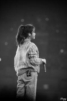 Iu Hair, Gwangju, Love Poems, Korean Singer, Girl Pictures, Girl Crushes, Asian Girl, Kpop, Actresses