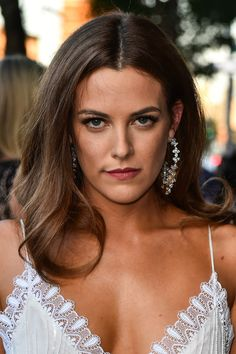 Beautiful celebrities and starlets. Actresses, singers, models and more! Riley Keough, Elvis And Priscilla, Lisa Marie Presley, Hailey Baldwin, Hottest Female Celebrities, Celebs, Logan Lucky, Elvis Presley Family, Thing 1