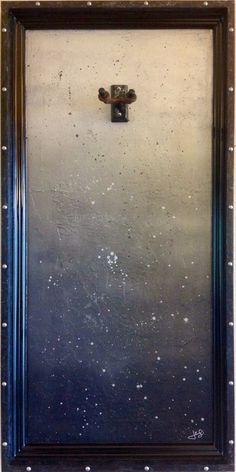 "G Frames ""Mercury"" Guitar Display Case"