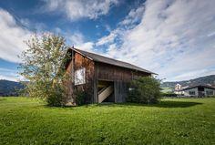 STROHBOX ist die Aktivierung brachliegender Wirtschaftstrakte von Bregenzerwälder Häusern durch temporäre Nutzbarmachung als Wo