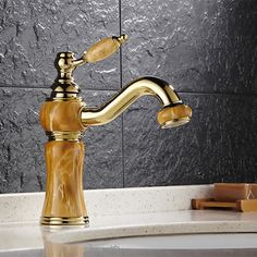 67.16$  Watch here - http://aliimg.worldwells.pw/go.php?t=32774935540 - Free shipping Hot selling solid brass gold basin mixer tap with single handle golden bathroom mixer faucet and kitchen sink tap