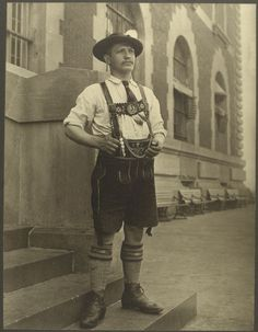 Immigrants from Ellis Island: A Bavarian Man