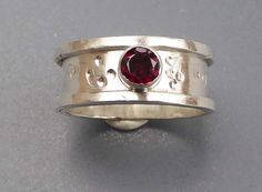Garnet silver band ring size R stamped artisan design January birthstone