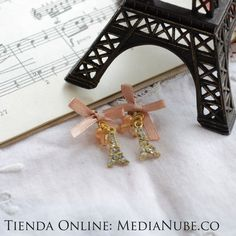 Aretes París | Media Nube $13000. A la venta en http://medianube.monomi.co/products/aretes-paris/