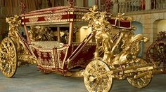 [National Museum of Carriages] Museu Nacional dos Coches Palaces, Horse Carriage, Ceramic Jars, Royal Life, Cabriolet, Horse Drawn, Ancient Artifacts, Mellow Yellow, Transportation