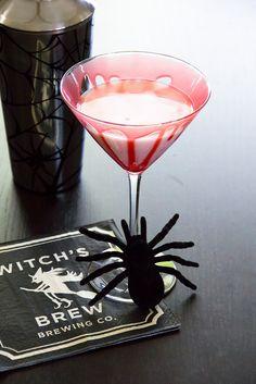 spiced caramel apple martini | #halloween #cocktail #recipe