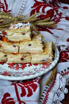 Placinta cu iaurt | CAIETUL CU RETETE Strudel, Ukrainian Recipes, Ukrainian Food, Romanian Food, Some Recipe, Food Cakes, Eat Right, Sweet Memories, Camembert Cheese