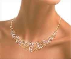 15 Mesmerizing Wedding Necklace Designs You Must Try On Small Necklace, Necklace Set, Gold Necklace, Gold Fashion, Fashion Jewelry, Pakistani Bridal Jewelry, Indian Jewelry Sets, Gold Jewelry Simple, Necklace Designs