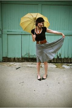 Brown and Black outfit! Love the yellow umbrella!