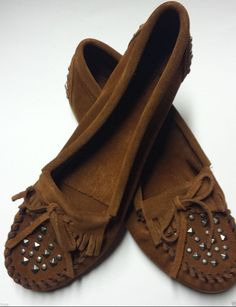 Minnetonka Moccasins Genuine Kilty Suede Studded Shoe Loafer Women Size 10 Brown #MinnetonkaMoccasin #LoafersMoccasins #Casual