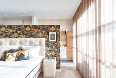 Weiße #Schlafzimmerdecke mit #Strahlern, moderner #Look