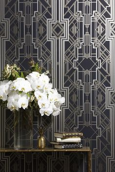 The Great Gatsby iconic Art Deco wallpaper design / wallcovering – glamorous feature wall – Le papier peint / … Estilo Art Deco, Arte Art Deco, Art Deco Era, Art Deco Wallpaper, Of Wallpaper, Designer Wallpaper, Beautiful Wallpaper, Diamond Wallpaper, Wallpaper Designs