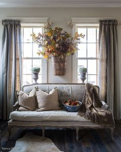 Floral basket/French Country settee