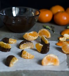 So easy: Chocolate Dipped Clementines as a fresh winter treat