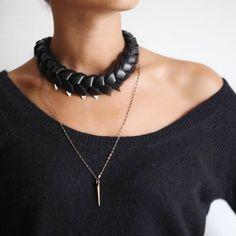 Collier Nuit Polaire en cuir noir et en laine d'Alpaga noire - Satine Création