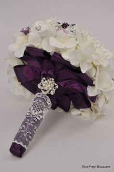 Day 2: Lush Floral Bouquet:  Jeweled Flower Brooch Bouquet With Beautiful Lace Handle Detail #wedding #bouquet