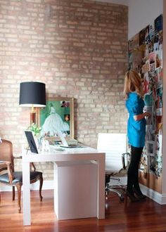 I love the huge pin/inspiration board. A great idea for my office.