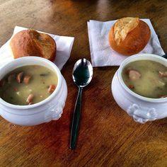 Cosa si mangia in #Germania quando fa freddo a #Natale? Una bella zuppa di patate con wurstel :D  #viaggi #travel #viaggilowcost #stuttgart #stuttgart #viaggi #travel #viaggilowcost #travelbloggerlife #travelblogger #stuttgart #germania #light #christmas #xmas #merrychristmas #stuttgarttourismus #enjoystuttgart by viaggilc