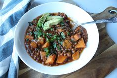As soon as fall arrives, I crave hearty comfort foods that are packed with healthy ingredients. This vegan french lentil stew is going to become a regular on our weekly meal plan. It meets all my comfort food criteria: flavourful, hearty, and tastes better the next day. This stew is perfect for school and work …