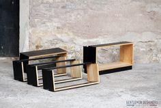 PETIT MEUBLE, BIBLIOTHÈQUE MODULABLE, VINTAGE RELOOKÉ, BOIS CLAIR (SAPIN) NOIR http://www.gentlemen-designers.fr