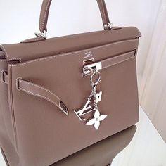 Beautiful Hermès Kelly  repost @classichermes @hermes