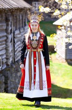 Bride from Hardanger - by Laila Duran Beautiful Bride, Beautiful People, Costume Ethnique, Costumes Around The World, Ethnic Dress, Folk Costume, Bride Costume, Traditional Dresses, Traditional Wedding