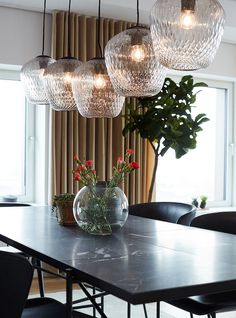 The Carlsberg City - Bohrs Tower - Picture gallery Dining Table Chandelier, Dining Room Table, Scandinavian Apartment, Scandinavian Style, Interior Inspiration, Living Spaces, Living Room, Sweet Home, Modern