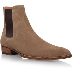 Saint Laurent Classic Wyatt Chelsea Boots 30 (2.740 BRL) ❤ liked on Polyvore featuring shoes, boots, ankle booties, suede chelsea boots, suede beatle boots, yves saint laurent boots, almond toe boots and suede ankle booties