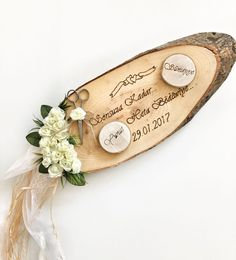 This Pin was discovered by Syi Craft Wedding, Wedding Gifts, Our Wedding, Wedding Decorations, Christmas Decorations, Wood Etching, Wood Slice Crafts, Marriage Decoration, Ring Holder Wedding
