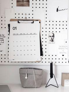 printable calendar and bag Printable Planner, Printables, Printable Calendars, Monthly Planner, Free Printable, Minimal Calendar, Desk Calendars, Calendars 2016, 2016 Calendar