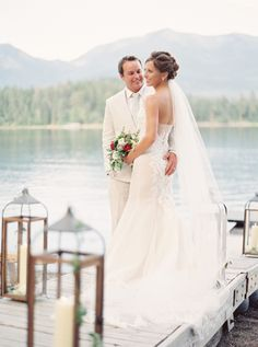 Beautiful lakeside Montana wedding: http://www.stylemepretty.com/montana-weddings/swan-lake/2015/09/08/romantic-elegant-lakeside-montana-wedding/ | Photography: Jeremiah & Rachel - http://jeremiahandrachel.com/