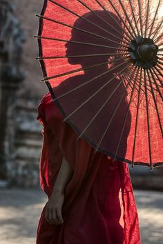 Buddha Buddhism, Buddhist Monk, Live Action, Important People In History, Umbrella Photography, Red Umbrella, Vacation Home Rentals, Portrait, African Art