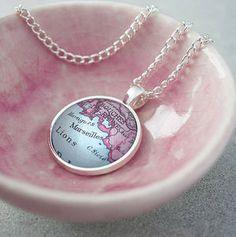 Ellie Ellie Personalised Map Pendant Necklace