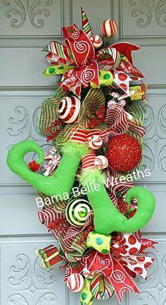 #elfswag #elfdecor #elfwreath Christmas Swags, Christmas Decorations, Holiday Decor, Winter Wreaths, Decor Crafts, Home Decor, Craft Items, Centerpieces, Explore