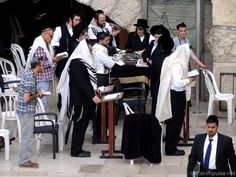 Jerusalem Israel, Messianic Judaism, Orthodox Jewish, Marketing Digital, Christianity, Holy Land, Joy, Judaism, Worship Service