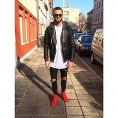 Streetstyle ⚪️⚫️ Wünsche euch allen einen schönen Tag✌️ Wish you all a nice day  #me #love #style #fashion #TagsForLikes #tagsforlikes @TagsForLikes #streetstyle #blackfashion #like4like #ootd #potd #instalike #instadaily #instamood #instalove #dope #swag #shoeporn #destroyed #sun #lookbook #stylebook #webstagram #whatiwore #münchen #nürnberg #paris #tattoo #fashionkilla #followme #followme