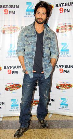 Shahid Kapoor promoting his film 'R...Rajkumar' on Dance India Dance. #Bollywood…