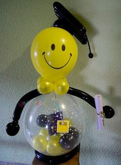 Pictures on request decoration in balloons for graduation Ballon Decorations, Balloon Centerpieces, Graduation Balloons, Graduation Decorations, Balloon Gift, Balloon Columns, Baby Shower Balloons, Google, Stuffed Balloons