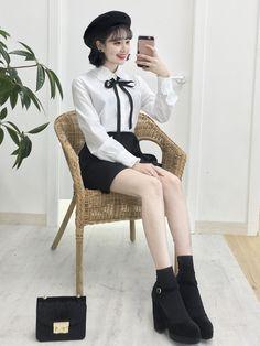 Tips for spring korean fashion 974 Korean Fashion Trends, Korean Street Fashion, Korea Fashion, Asian Fashion, Girl Fashion, Womens Fashion, Girl Outfits, Cute Outfits, Fashion Outfits