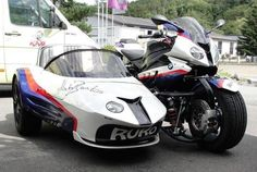 BMW S1000RR with Sidecar and custom front suspension using car tar and car disc brakes