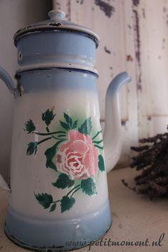 Emaille Gebloemde Koffiekan met filter