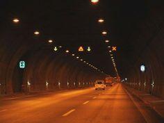 #haber #haberler #izmir #kaza #trafikkazasi #yangin #tuneldeyangin #karsiyaka  İzmir'de Tünelde Kaza Sonrası Yangın