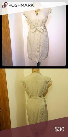 Calvin Klein Linen Dress! Calvin Klein button down linen dress with tied waist and capped sleeves. Great condition! Calvin Klein Dresses