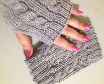 Ravelry: Easy Cable Mitts pattern by Charissa Bannick a free pattern