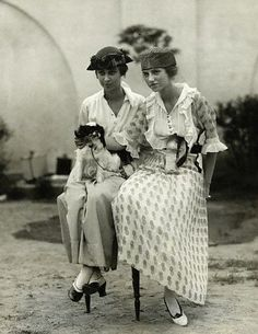 """peggy & benita guggenheim with """"twinkle"""" at the third annual dog show of the westchester kennel club at gedney farms, 1919"""