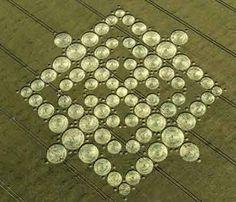 The Beautiful World of Crop Circles (Photo Gallery) - Third Monk Crop Circles, Circle Art, Circle Design, Fractal, Alien Art, Ancient Aliens, Sacred Geometry, Geometric Shapes, Geometric Patterns