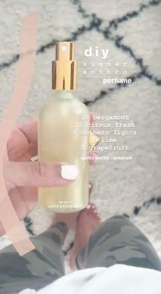 Essential Oil Spray, Essential Oil Perfume, Essential Oil Diffuser Blends, Doterra Essential Oils, Perfume Oils, Natural Essential Oils, Lotion, Do It Yourself Home, Diy Perfume Recipes