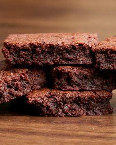 4 Easy 3-Ingredient Desserts Nutella brownies!