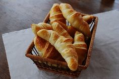 domácí croissanty Great Recipes, Snack Recipes, Snacks, Croissant Recipe, Croissants, The Best, Bread, Baking, Russian Recipes