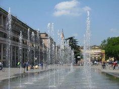 Reggio Emilia - cool fountains